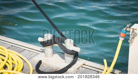 Boat tie on a pontoon at the water's edge