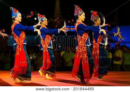 Thai Female Traditional Dancers Night Performance