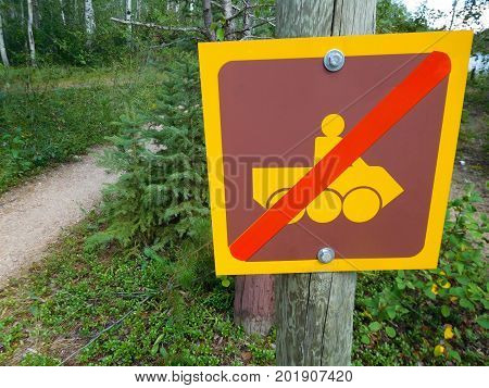 A No Recreational Vehicle Use on Trail.