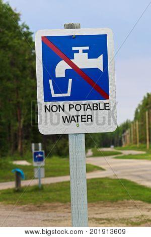 A non potable water sign at a sanidump station.
