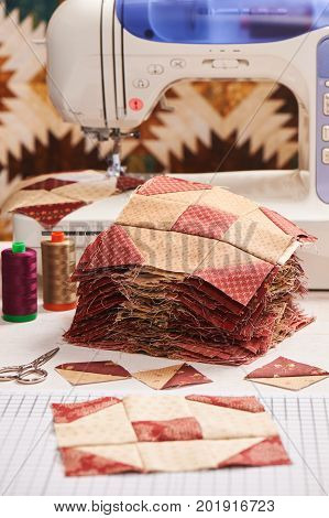 Quilt blocks sewing with an electric sewing machine, pile ready blocks