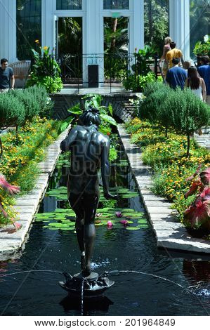 SAINT PAUL, MINNESOTA- AUGUST 2017:  The Sunken Garden at Como Zoo and Conservatory in St. Paul, MN.