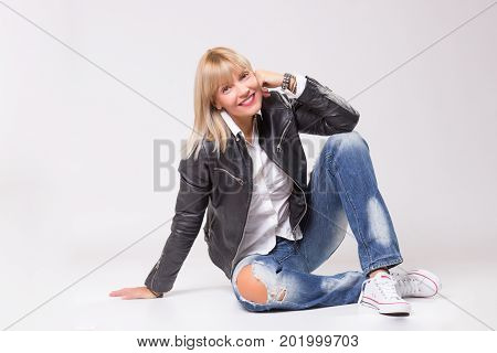 Mature Woman 40S Sitting Casual Clothes Happy Smiling