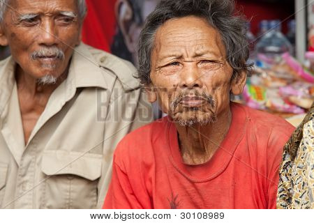 Alte balinesische Männer