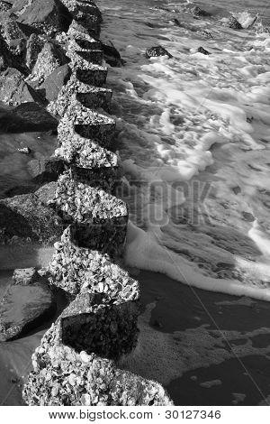 Sea Foam along a curved wall