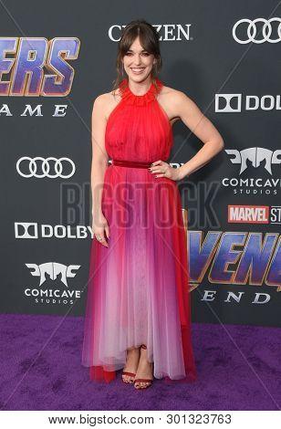 LOS ANGELES - APR 22:  Elizabeth Henstridge arrives for the