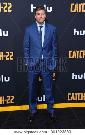 LOS ANGELES - MAY 07:  Kyle Chandler arrives for the Hulu's 'Catch-22' US. Premiere on May 07, 2019 in Hollywood, CA
