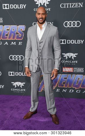 LOS ANGELES - APR 22:  Henry Simmons arrives for the
