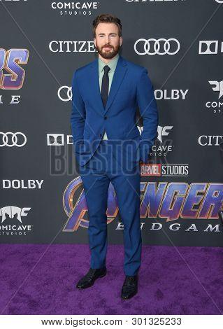 LOS ANGELES - APR 22:  Chris Evans arrives for the