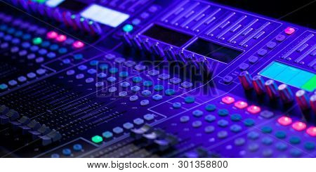 Sound Electronic Control Panel For High-quality Sound Control