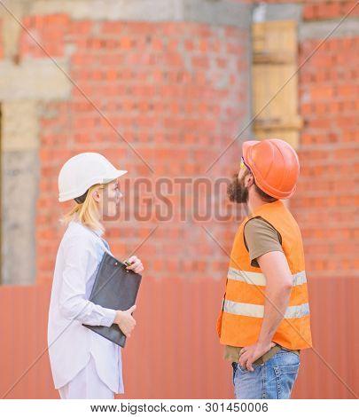 Discuss Progress Plan. Construction Industry Concept. Relationships Construction Client And Particip