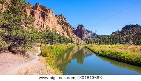 River Trail At Smith Rocks State Park, A Popular Rock Climbing Area In Central Oregon Near Terrebonn