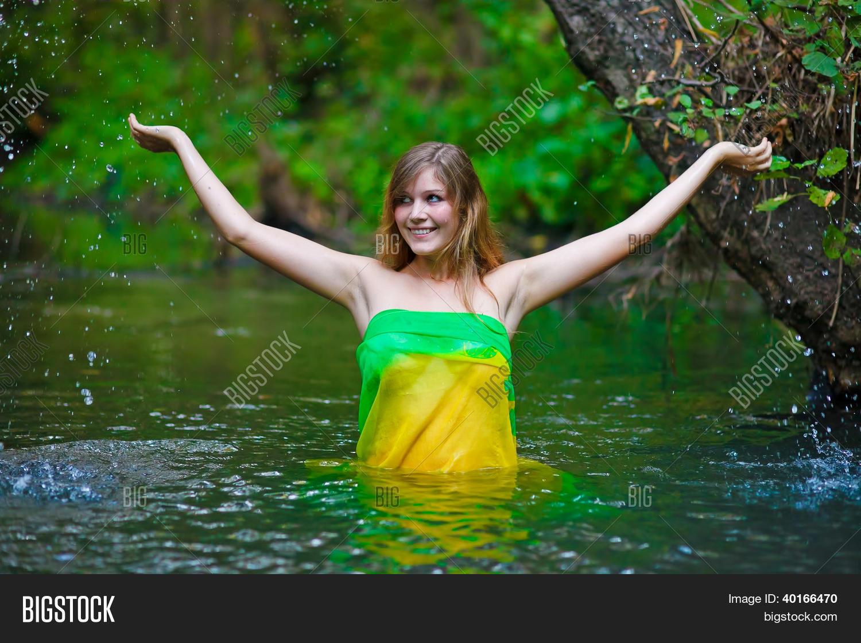 Female Woman Nude Image & Photo (Free Trial) | Bigstock