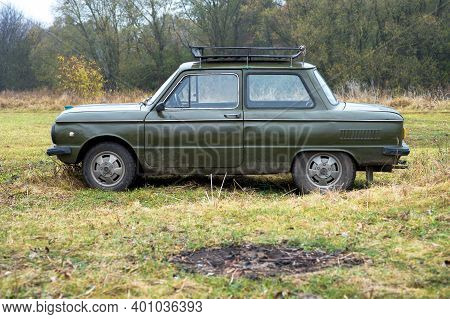 Car Brand Zaporozhets On The Background Of Nature In Autumn Russia, Kursk Region, Zheleznogorsk, Oct