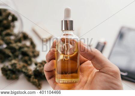 Medical Cannabis Marijuana Oil . Cbd Extract. Dabbing High Levels Of Thc.