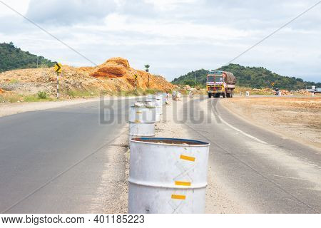 Theni, Tamilnadu, India - december 4, 2020: Incomplete Road Construction On Nh 85 Theni To Munn