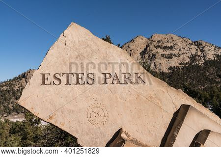 Estes Park, Co - November 29, 2020: Stone Welcome Sign Near Estes Park