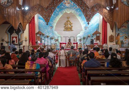 Kerala, India, 08-12-2017. Catholic Wedding In The Province Of Kerala In South India. Religious Cele