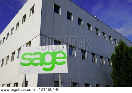 Bordeaux , Aquitaine  France - 12 28 2020 : Sage Logo Brand And Text Sign Of British Multinational E