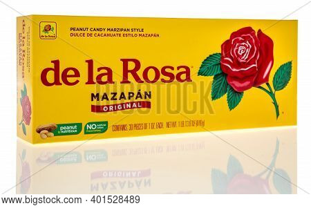 Winneconne, Wi -30 December 2020: A Package Of De La Rosa Peanut Candy On An Isolated Background.