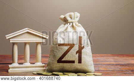 Polish Zloty Money Bag And Bank / Government Building. Tax Collection And Budgeting. Lending Loans,