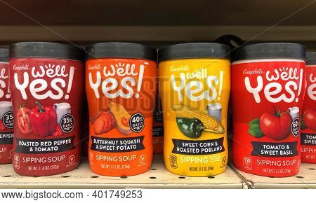 Alameda, Ca - Nov 30, 2020: Grocery Store Shelf With To Go Containers Of Campbell's Brand Well Yes S