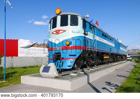 Novyy Urengoy, Russia - July 11, 2020: Old Soviet Diesel Locomotive Te3 Monument In The City Street.