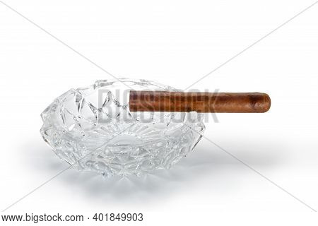 Close Up View Of Nice Robusto Cuban Cigar And Ashtray On White Back