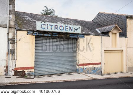 Lege, Vendee, France - September 21, 2020: Old Garage Bearing A Vintage Citroen Car Brand Sign On A
