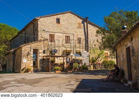 Rocchette Di Fazio, Italy - September 5th 2020. A Small Bar In The Main Square Of The Historic Villa