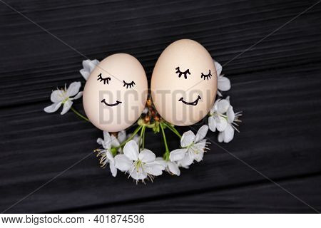 Love Egg Couple With Expression. Funny Family, Easter Eggs With Smile And Eyes. Eggs With Smiley Fac