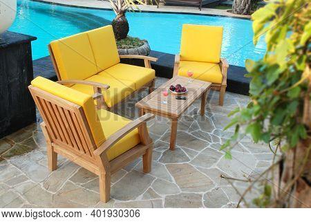 Outdoor Teak Garden Furniture Set. Teak Garden Furniture Table And Chairs Set With Cushion.