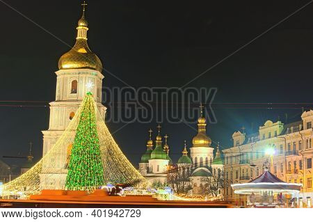 Kyiv, Ukraine-january 02,2021:scenic View Of Beautiful Main Ukraine's New Year Tree On Sophia Square