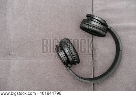 Black Headphones To Mix Music, Listen To Songs, Play At Parties In Nightclubs, On Concerts. Party Dj