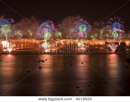 Atlantis Hotel Fireworks In Dubai