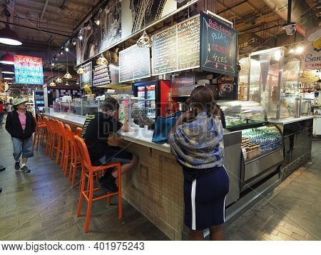 Philadelphia, Usa - June 11, 2019: People Hanging Around, Drinking And Eating In The Reading Termina