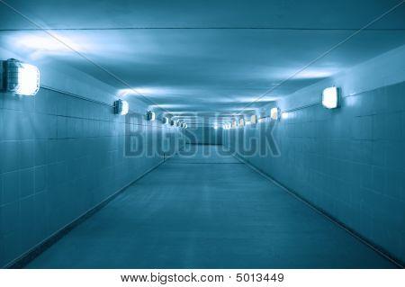 unterirdischer Durchgang
