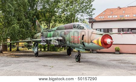 Fighter-bomber SU22