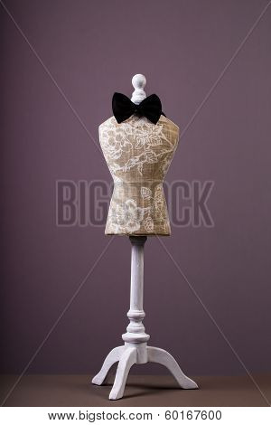 Mannequin with bow-tie