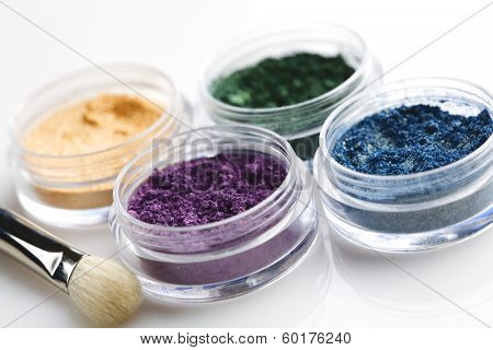 coloured eys shadow pigment
