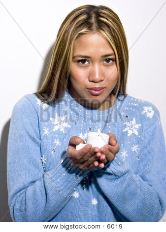 Rachelle Light Blue Sweater & Candle