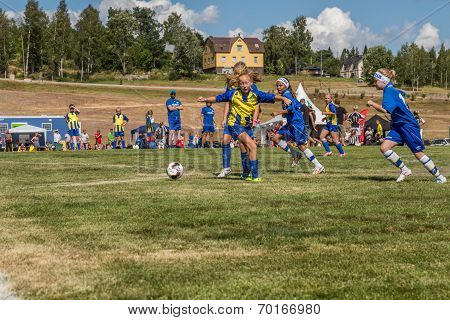 Girls Attacking At The Target Area