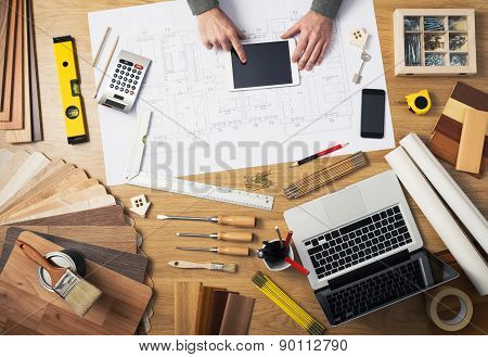 Construction Engineer's Desk