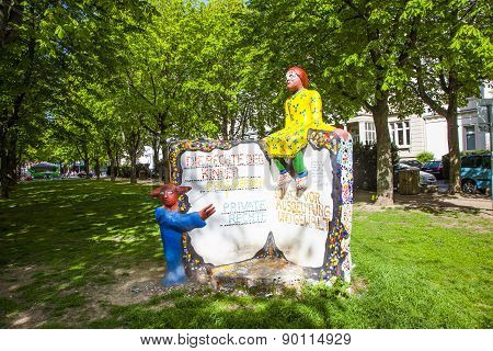 Memorial To Claim The Rights For Children