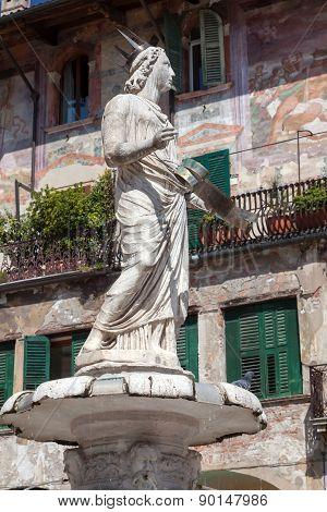 Fountain Madonna Verona