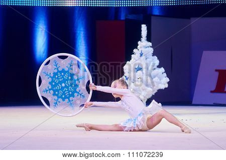 Minsk, Belarus December 05: Unidentified Gymnast From ' Usit' Participate With 'snowflak