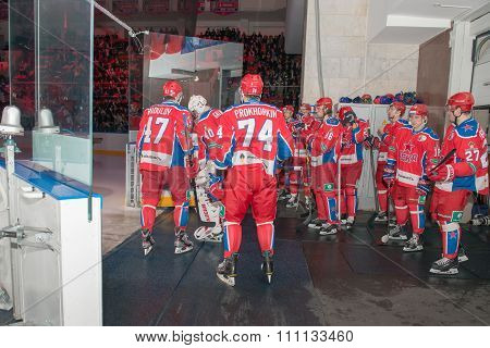 MOSCOW - MARCH 19, 2015: Hockey players CSKA before going on the ice in the hockey game Yokerit vs CSKA on Russia KHL championship in the sports complex CSKA Moscow, Russia. CSKA won 4: 2