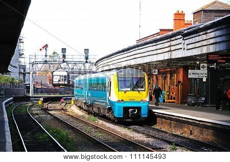 DMU in Shrewsbury station.