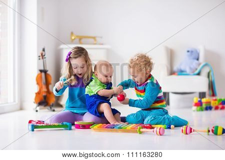 Music For Kids, Children With Instruments