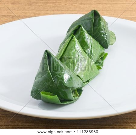 Plate Of Fresh Betelleaf Wrapped Bite Size Appetizer
